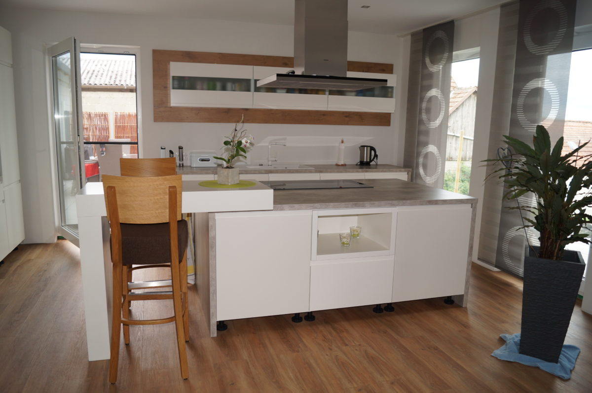 Möbel für Bad, Wohnen, Schlafen und Küche - Schreinerei Seim